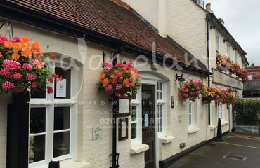 Hanging Basket Services for Pubs_image_018