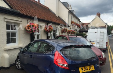 Hanging Basket Services for Pubs_image_020