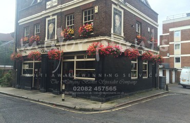 Hanging Basket Services for Pubs_image_023